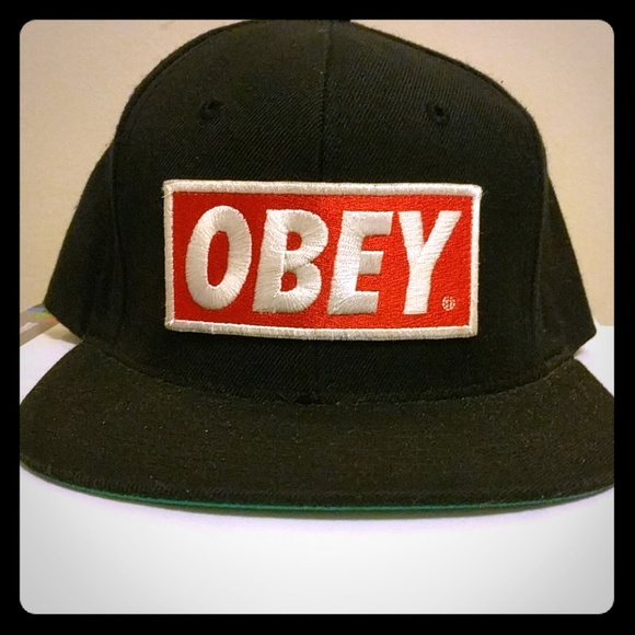 OBEY Snapback Hat with Green underbrim. M 5a8b86ce61ca10bfbf11de02 acea439ccef